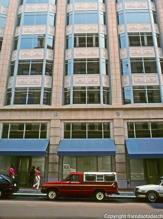 Washington D.C. : 325 7th St. NW--oriel windows  like Sullivan's Chicago Stock Exchange. Photo '91.