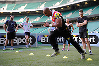 Tom Varndell of London Wasps shows how its done during the Aviva Premiership Rugby London Wasps Sprint Clinic at Twickenham Stadium on Monday 14th April 2014 (Photo by Rob Munro)