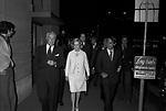 VITTORIO DE SICA CON LA MOGLIE MARIA MERCADER ROMA 1970