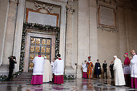 Papa Francesco, seguito dal Papa Emerito Benedetto XVI, si prepara ad aprire la Porta Santa, in occasione dell'inizio ufficiale del Giubileo della Misericordia, nella Basilica di San Pietro, Citta' del Vaticano, 8 dicembre 2015.<br /> Pope Francis, followed by Pope Emeritus Benedict XVI, prepares to open the Holy Door, on the occasion of the start of the Jubilee of Mercy, on St. Peter's Basilica at the Vatican, 8 December 2015.<br /> UPDATE IMAGES PRESS/Bonotto Giagnori<br /> <br /> STRICTLY ONLY FOR EDITORIAL USE<br /> <br /> *** ITALY AND GERMANY OUT ***