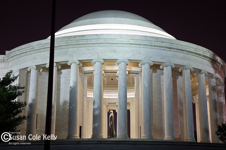 Night time at the Jefferson Memorial, Washington, DC, USA