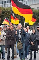 """Rechte demonstrieren in Bautzen gegen Fluechtlinge.<br /> Am Sonntag den 18. September 2016 versammelten sich im saechsischen Bautzen ca. 120 Rechte zu einem Kundgebung mit anschliessender Demonstration um gegen Fluechtlinge zu demonstrieren. Sie riefen Parolen gegen Fluechtlinge und gegen Angela Merkel und beschimpften Medienvertreter als """"Volksverraeter"""".<br /> Nach Aussagen von Anwohnern waren nur etwa 15 Teilnehmer aus Bautzen. Bautzener Rechtsextreme hatten zuvor aufgerufen, sich vorerst nicht an Demonstrationen zu beteiligen, bis ein von ihnen an die Stadtverwaltung gestelltes Ultimatum, zu Loesung der Fluechtlingsfrage verstrichen ist.<br /> 18.9.2016, Bautzen/Sachsen<br /> Copyright: Christian-Ditsch.de<br /> [Inhaltsveraendernde Manipulation des Fotos nur nach ausdruecklicher Genehmigung des Fotografen. Vereinbarungen ueber Abtretung von Persoenlichkeitsrechten/Model Release der abgebildeten Person/Personen liegen nicht vor. NO MODEL RELEASE! Nur fuer Redaktionelle Zwecke. Don't publish without copyright Christian-Ditsch.de, Veroeffentlichung nur mit Fotografennennung, sowie gegen Honorar, MwSt. und Beleg. Konto: I N G - D i B a, IBAN DE58500105175400192269, BIC INGDDEFFXXX, Kontakt: post@christian-ditsch.de<br /> Bei der Bearbeitung der Dateiinformationen darf die Urheberkennzeichnung in den EXIF- und  IPTC-Daten nicht entfernt werden, diese sind in digitalen Medien nach §95c UrhG rechtlich geschuetzt. Der Urhebervermerk wird gemaess §13 UrhG verlangt.]"""