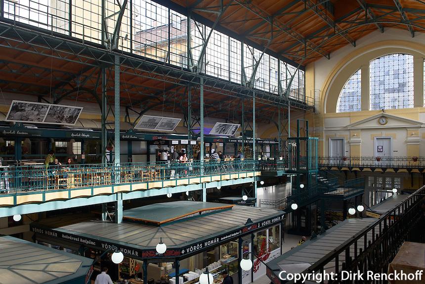 Markthalle an der Hold u. in Budapest, Ungarn