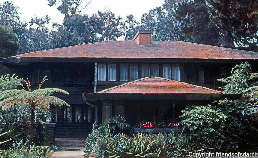 F.L. Wright: Stewart House, 1909-10. Montecito, CA. Wright's first West Coast house.   Photo '82.