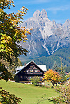 Oesterreich, Salzburger Land, Pongau, Filzmoos: Herbstlandschaft vor dem Dachsteingebirge, Grosse und Kleine Bischofsmuetze | Austria, Salzburger Land, Pongau, Filzmoos: autumn scenery and Dachstein Mountain Range with Bischofsmuetze mountain