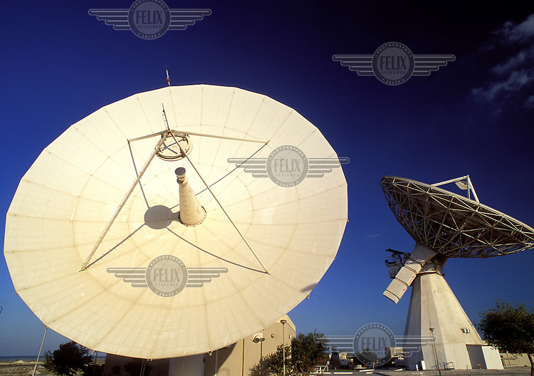 ©Guy Mansfield/Panos Pictures..Bahrain. Satellite dishes at earth station.