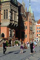Detail gotisches Rathaus am Marktplatz (Rynek Glowny) in Wroclaw (Breslau), Woiwodschaft Niederschlesien (Województwo dolnośląskie), Polen, Europa<br /> Detail, Gothic townhall at Marketplace (Rynek Glowny) in Wroclaw,  Poland, Europe