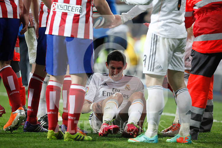 Real Madrid´s Di Maria injured during King´s Cup (Copa del Rey) semifinal match in Santiago Bernabeu stadium in Madrid, Spain. February 05, 2014. (ALTERPHOTOS/Victor Blanco)