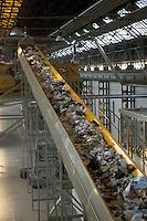 - plant for digestion and recycle of the solid urban waste....- impianto per lo smaltimento e il riciclo dei rifiuti solidi urbani