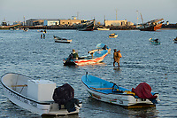 DJIBOUTI , Obock, from here ethiopian migrants try to cross bab el mandeb by boat to Yemen to go on to Saudi Arabia or Europe / DSCHIBUTI, Obock, Meerenge Bab el Mandeb, mit Hilfe von Schleppern aethiopische Migranten versuchen hier nach Jemen ueberzusetzen, um weiter nach Saudi Arabien oder Europa zu gelangen