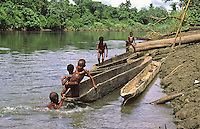 Oceania,Papua New Guinea, Septik river village, playing children