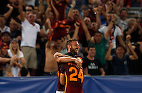Calcio, Champions League, Gruppo E: Roma vs Barcellona. Roma, stadio Olimpico, 16 settembre 2015.<br /> Roma's Alessandro Florenzi, right, is hugged by teammate Daniele De Rossi after scoring during a Champions League, Group E football match between Roma and FC Barcelona, at Rome's Olympic stadium, 16 September 2015.<br /> UPDATE IMAGES PRESS/Riccardo De Luca