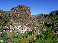 Tal des Mktwari-Kura bei Aspindsa, Samzche-Dschawachetien, Georgien, Europa<br /> Valley of River Mktwari-Kura near Aspindsa, Samzche-Dschawacheti,  Georgia, Europe