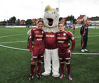 20130824 - Zulte , Belgium :  Anke De Vos (rechts) en Frauke Timmerman (links) , Saturday 24 August 2013. Teampictures <br /> PHOTO DAVID CATRY / Nikonpro.be