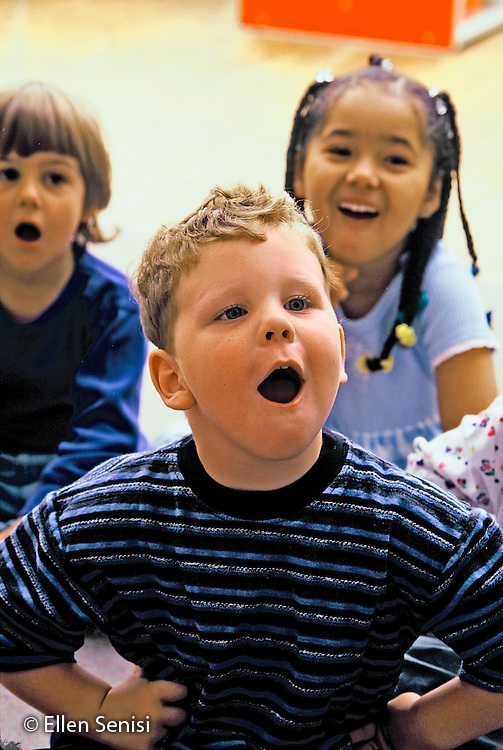 MR / Schenectady, NY.Yates Arts Magnet School / Pre-K.Students aged (4-5) sing in class. (PK- orginal).MR: Ros3.© Ellen B. Senisi