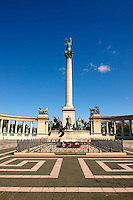 The cenotaph and memoria;l column in H?sök tere, ( Heroes Square ), Budapest, Hungary