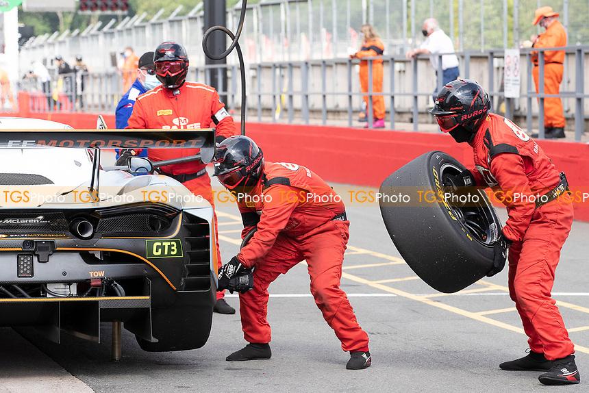 Balfe Motorsport wheel change during the British GT & F3 Championship on 11th July 2021
