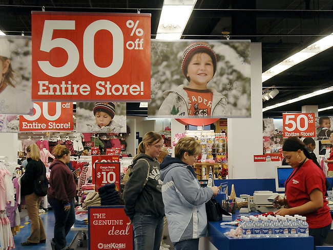 The Vanity Fair Outlet stores opened at 12:01 AM for Black Friday sales has crowds of shoppers seeking bargins and discounts November 28, 2008 in Reading, PA. (AP Photos/Bradley C Bower)