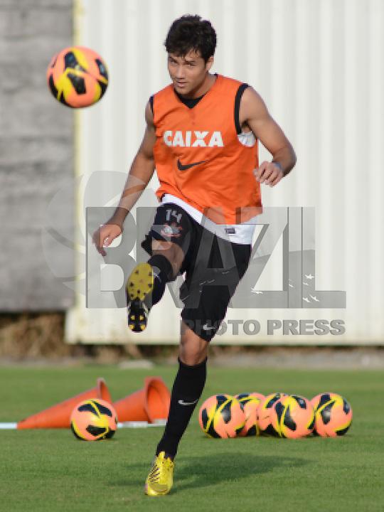 SÃO PAULO,SP, 08.08.2013 - TREINO/CORINTHIANS/SP - Felipe  durante treino do Corinthians no CT Joaquim Grava na zona leste de Sao Paulo. (Foto: Alan Morici /Brazil Photo Press).