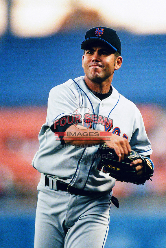 Edgardo Alfonzo of the New York Mets during a game against the Los Angeles Dodgers at Dodger Stadium circa 1999 in Los Angeles, California. (Larry Goren/Four Seam Images)
