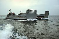 - Esercitazioni NATO in mar Mediterraneo, aprile 1996, mezzi da sbarco si avvicinano alla costa<br /> <br /> - NATO exercises in the Mediterranean Sea, April 1996, landing crafts approaching the coast