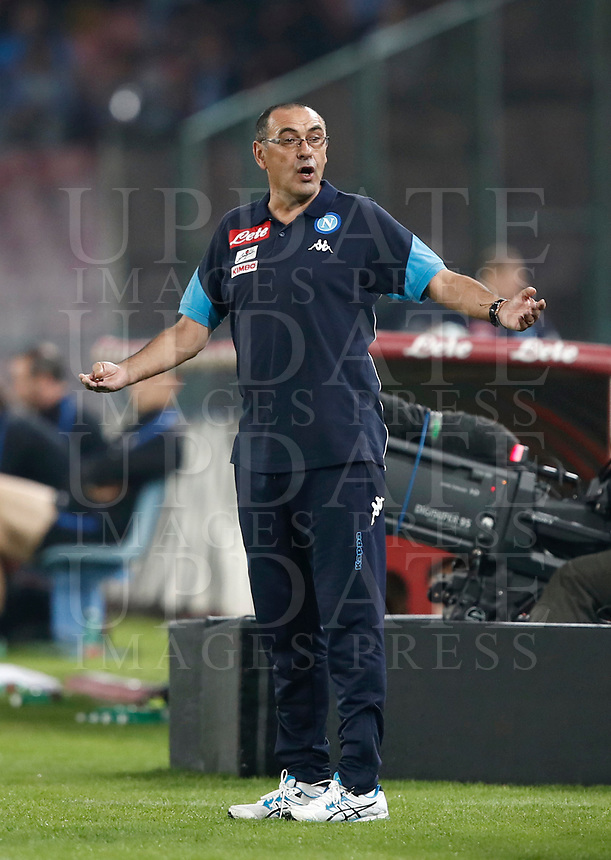 Calcio, Serie A: Napoli, stadio San Paolo, 21 ottobre 2017.<br /> Napoli's coach Maurizio Sarri reacts during the Italian Serie A football match between Napoli and Inter at Napoli's San Paolo stadium, October 21, 2017.<br /> UPDATE IMAGES PRESS/Isabella Bonotto