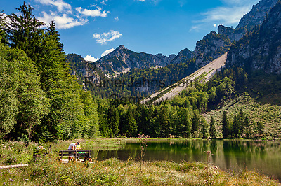 Deutschland, Bayern, Inzell-Adlgass: Frillensee vor dem Chiemgauer Alpen   Germany, Bavaria, Inzell-Adlgass: lake Frillensee with Chiemgau Alps