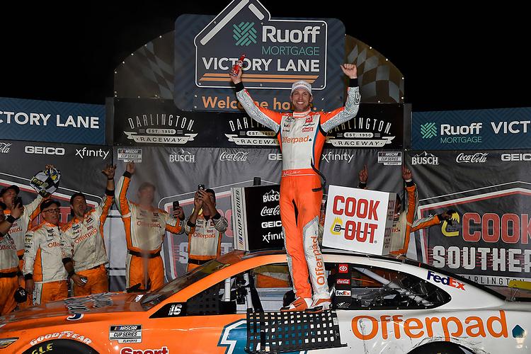 #11: Denny Hamlin, Joe Gibbs Racing, Toyota Camry Offerpad, celebrates after winning