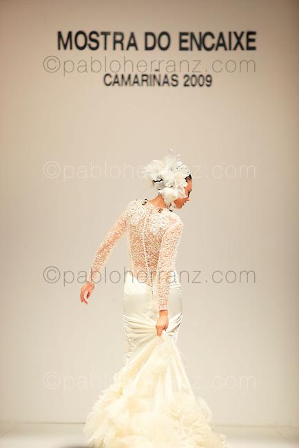 XIX Muestra del Encaje de Camariñas. Desfile de Grandes Diseñadores.