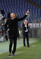 Calcio, andata degli ottavi di finale di Champions League: Roma vs Real Madrid. Roma, stadio Olimpico, 17 febbraio 2016.<br /> Roma's coach Luciano Spalletti gives indications to his players during the first leg round of 16 Champions League football match between Roma and Real Madrid, at Rome's Olympic stadium, 17 February 2016.<br /> UPDATE IMAGES PRESS/Isabella Bonotto