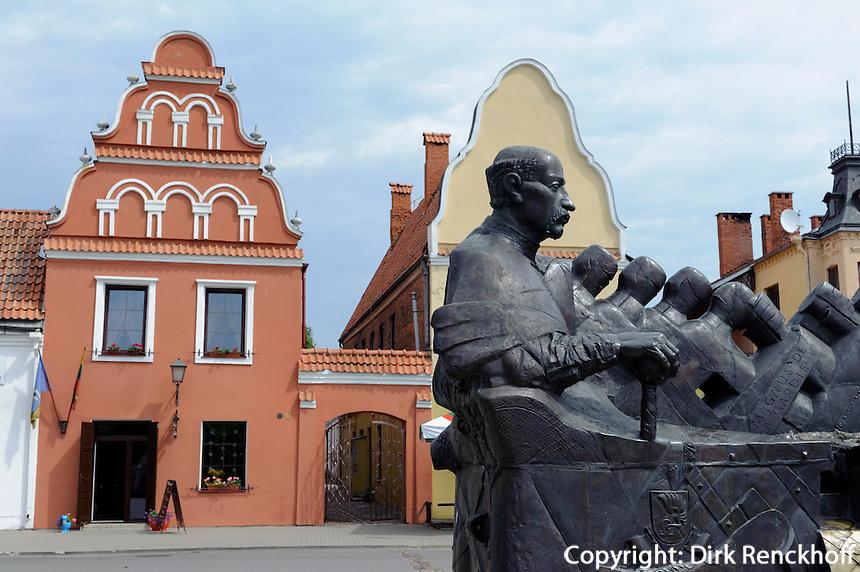 Denkmal auf Platz Diziogi Rinka in Kedainiai, Litauen, Europa