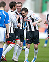 :: DAVID GRAHAM IS CONGRATULATED AFTER HE SCORES DUNFERMLINE'S SECOND ::