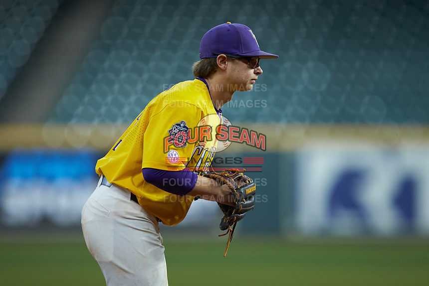 LSU Tigers third baseman Zack Mathis (17) on defense against the Oklahoma Sooners in game seven of the 2020 Shriners Hospitals for Children College Classic at Minute Maid Park on March 1, 2020 in Houston, Texas. The Sooners defeated the Tigers 1-0. (Brian Westerholt/Four Seam Images)
