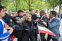 Der aegyptische Praesident Abdel Fattah al-Sisi kam am 3. und 4. Juni 2015 zu einem Staatsbesuch nach Berlin.<br /> Im Vorfeld gab es Proteste gegen diesen Besuch, da in Aegypten u.a. massenweise Todesurteile gegen Regierungsgegner verhaengt und missliebige Journalisten verhaftet werden. Bundestagspraesident Norbert Lammert sagte ein Treffen mit al Sisi ab. Bundespraesident Gauck hingegen empfing den Praesidenten mit militaerischen Ehren und Bundeskanzlerin Merkel lud ihn in das Bundeskanzleramt ein.<br /> Im Bild: Ca. 200 Anhaenger von al Sisi feiern seinen Besuch in Berlin mit Fahnen, Transparenten, Sprechchoeren Musik und Luftballons.<br /> Im Bild: Unter den Demonstranten kam es kurz zu einer Auseinandersetzung mit vermeindlichen Gegnern des Praesidenten. Zwei Personen wurden von der Polizei festgenommen.<br /> 3.6.2015, Berlin<br /> Copyright: Christian-Ditsch.de<br /> [Inhaltsveraendernde Manipulation des Fotos nur nach ausdruecklicher Genehmigung des Fotografen. Vereinbarungen ueber Abtretung von Persoenlichkeitsrechten/Model Release der abgebildeten Person/Personen liegen nicht vor. NO MODEL RELEASE! Nur fuer Redaktionelle Zwecke. Don't publish without copyright Christian-Ditsch.de, Veroeffentlichung nur mit Fotografennennung, sowie gegen Honorar, MwSt. und Beleg. Konto: I N G - D i B a, IBAN DE58500105175400192269, BIC INGDDEFFXXX, Kontakt: post@christian-ditsch.de<br /> Bei der Bearbeitung der Dateiinformationen darf die Urheberkennzeichnung in den EXIF- und  IPTC-Daten nicht entfernt werden, diese sind in digitalen Medien nach §95c UrhG rechtlich geschuetzt. Der Urhebervermerk wird gemaess §13 UrhG verlangt.]