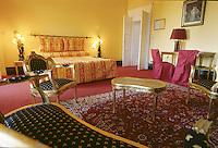 """France/08/Ardennes/Fagnon env Charleville Mézières: Hotel Restaurant """"Abbaye de Sept Fontaines"""" la chambre du Général de Gaulle"""