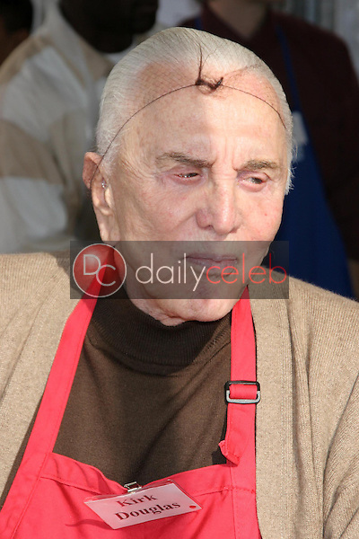 Kirk Douglas<br />at The Los Angeles Mission Thanksgiving Meal for the Homeless hosted by Kirk and Anne Douglas. Los Angeles Mission, Los Angeles, CA. 11-22-06<br />Dave Edwards/DailyCeleb.com 818-249-4998