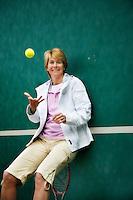 """24-4-07,Scheveningen, Marcella Mesker bij haar muur op """"de Mets"""""""