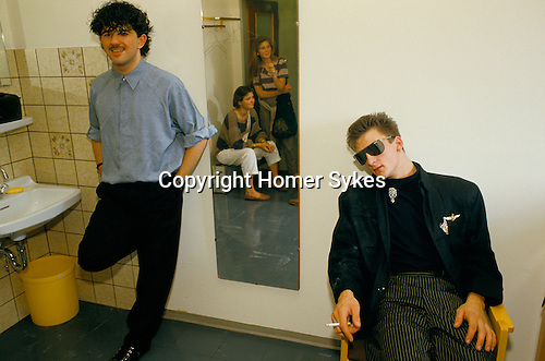 Franklie Goes to Hollywood. Peter Gill, Mark O'Toole groupies seen in mirror. Dressing room TV studio Munich promotional tour. 1983.