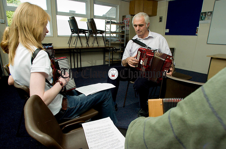 Michael O'Raghallaigh giving his Concertina Workshop at St Josephs secondary school in Tulla during the Trad Festival.Pic Arthur Ellis.