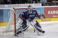 Goalie Adam Hauser (Adler)<br /> Adler Mannheim vs. Straubing Tigers, SAP Arena<br /> *** Local Caption *** Foto ist honorarpflichtig! zzgl. gesetzl. MwSt. <br /> Auf Anfrage in hoeherer Qualitaet/Aufloesung. Belegexemplar an: Marc Schueler, Am Ziegelfalltor 4, 64625 Bensheim, Tel. +49 (0) 6251 86 96 134, www.gameday-mediaservices.de. Email: marc.schueler@gameday-mediaservices.de, Bankverbindung: Volksbank Bergstrasse, Kto.: 151297, BLZ: 50960101