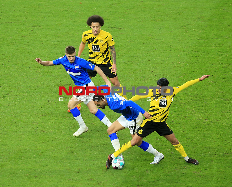 21.11.2020, OLympiastadion, Berlin, GER, DFL, 1.FBL, Hertha BSC VS. Borussia Dortmund, <br /> DFL  regulations prohibit any use of photographs as image sequences and/or quasi-video<br /> im Bild Carneiro da Cunha (Hertha BSC Berlin #10), Krzysztof Piatek (Hertha BSC Berlin #9),<br /> Mahmoud Dahoud (Borussia Dortmund #8), Axel Witsel (Borussia Dortmund #28)<br /> <br />       <br /> Foto © nordphoto / Engler