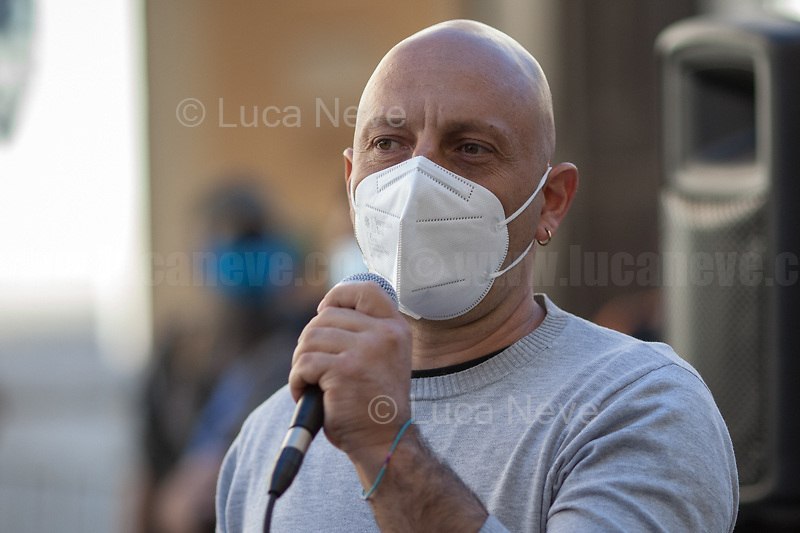 Rome, Italy. 27th May, 2021. Today, members of Coordinamento Cittadino Lotta Per La Casa (Housing Rights Movement of Rome), including families with children, attended a public assembly held outside Prefecture of Rome to discuss today's meeting with the Italian Capital's Prefect after some attempts and future planned evictions, and to talk about the new proposals by the Lazio Region Institutions which have promised to finally deliver the long awaited council houses to the people in need and housing/residential occupations inhabitants.<br /> <br /> Footnotes & Links:<br /> Recent demos:<br /> 09.12.2020 - Housing Rights Movement Demo At Acea - Water And Electricity Are A Right https://lucaneve.photoshelter.com/gallery/09-12-2020-Housing-Rights-Movement-Demo-At-Acea-Water-And-Electricity-Are-A-Right/G0000zMvVU8yQz84/C0000GPpTqAGd2Gg<br /> 12.12.20 - Social Bloc: Income, Housing, Health, Work, Education, Environment, Culture, Patrimoniale https://lucaneve.photoshelter.com/gallery/12-12-20-Social-Bloc-Income-Housing-Health-Work-Education-Environment-Culture-Patrimoniale/G0000IjakXJwIJnc/C0000GPpTqAGd2Gg<br /> 27.03.2021 - Housing Rights Movements Demo Outside the Ministry of Infrastructures https://lucaneve.photoshelter.com/gallery/27-03-2021-Housing-Rights-Movements-Demo-Outside-the-Ministry-of-Infrastructures/G0000JB8C1EKizaw/C0000GPpTqAGd2Gg