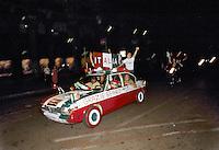 - celebrations for the victory of Italian soccer national  team in the 1982 world championship ....- festeggiamenti per la  vittoria della squadra nazionale di calcio italiana nel campionato del mondo del 1982....