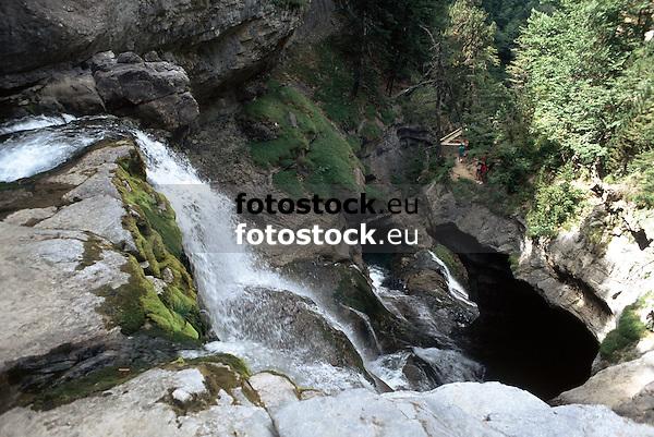 waterfall in the Ordesa National Park, Aragon<br /> <br /> cascada en el Parque Nacional de Ordesa, Aragón<br /> <br /> Wasserfall im Ordesa National Park, Aragonien<br /> <br /> Original: 35 mm slide transparency