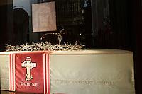 Il sudario contenente la Sacra Sindone, all'interno del Duomo di Torino.<br /> The shrine containing the Holy Shroud in the Cathedral of Turin.<br /> UPDATE IMAGES PRESS/Riccardo De Luca