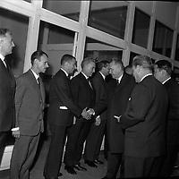 Le 5 Novembre 1966. Vue d'Alexis Kossyguine en visite dans une entreprise toulousaine.