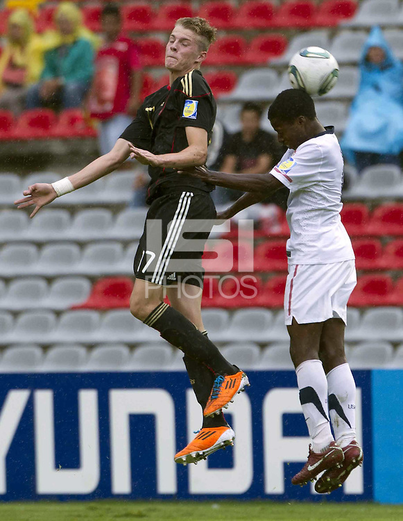 .Action photo of Marvin Ducksch (L) of Germany and player of USA, during game of the FIFA Under 17 World Cup game, held at Queretaro.