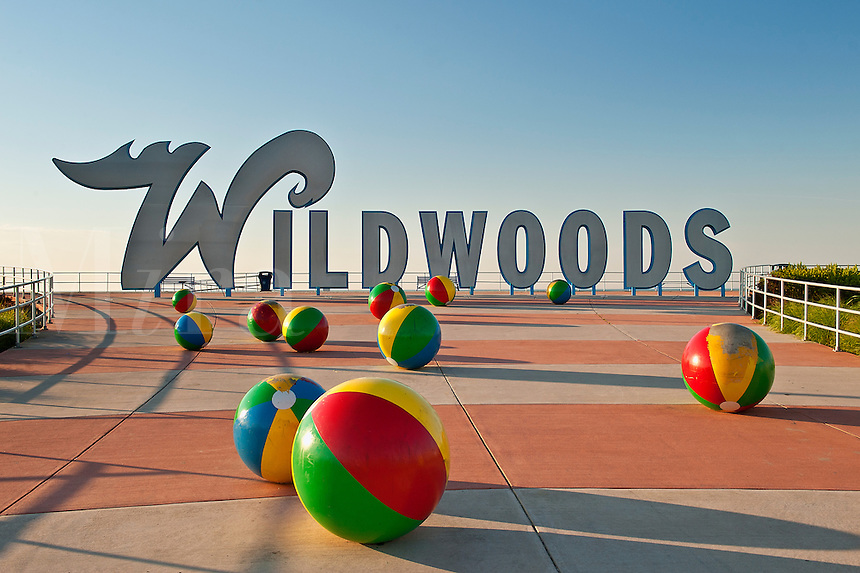 Wildwood sign and sculpture, NJ, New Jersey, USA