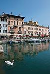 Italy, Lombardia, Lake Garda, Desenzano del Garda: small harbour at South Bank of Lake Garda | Italien, Lombardei, Gardasee, Desenzano del Garda: kleiner Hafen am Suedufer des Gardasees