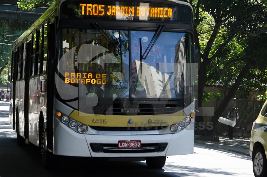 RIO DE JANEIRO, RJ, 09.02.2018 - TRANSPORTE-RJ, JUstiça do Rio de Janeiro determina que passagens de ônibus voltem a custar R$ 3,40, Rio de Janeiro, 09. (Foto: Vanessa Ataliba/Brazil Photo Press)